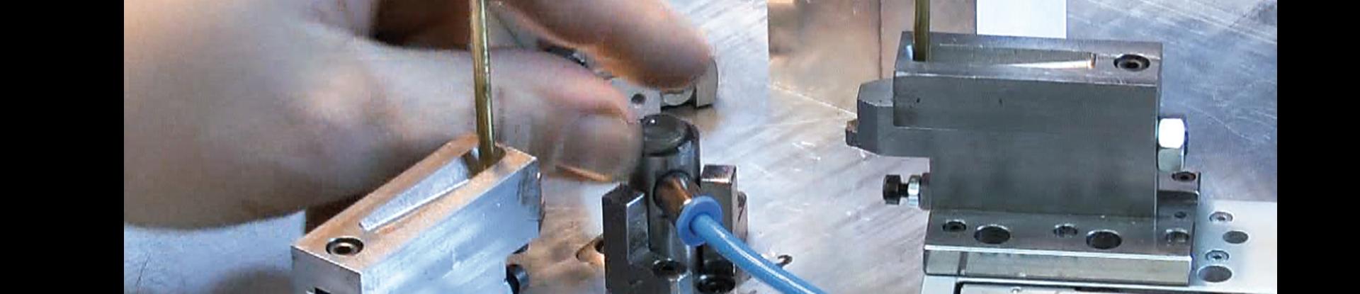 Montagevorrichtung mit Handbestückung